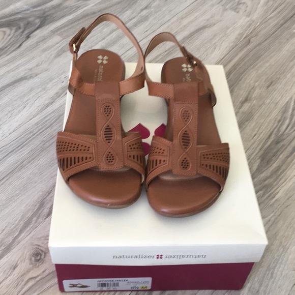 108909284de3 Naturalizer Network tan leather sandal. M 5a775134a4c48548a167c8c1
